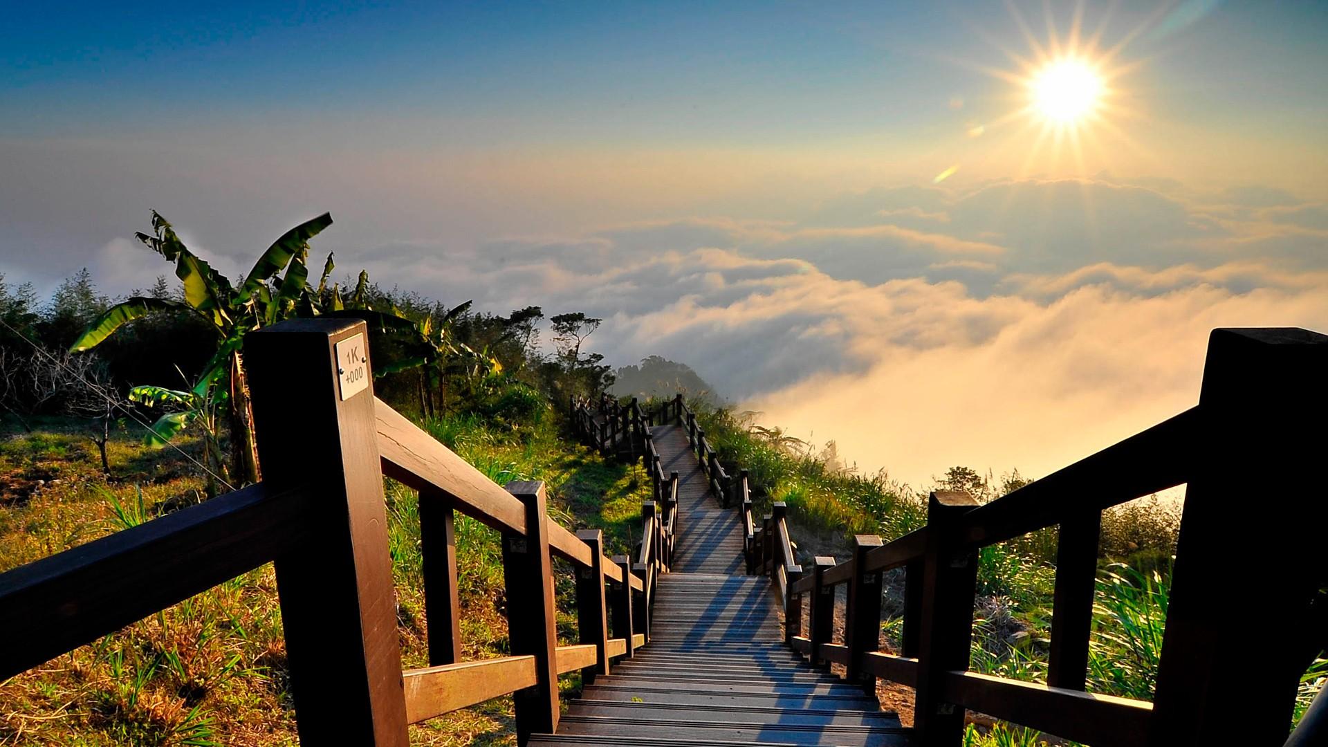 escalier soleil nuages